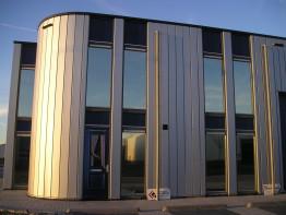 zonwerende folie gemeentehuis hoogkarspel